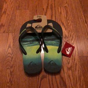 NWT Quiksilver Flip Flops